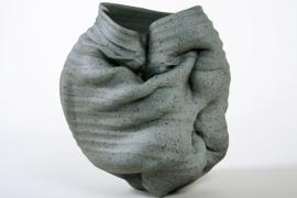 8-AMLCeramicsBelgium-clay-e-motion velvet vessel-IMG_4245